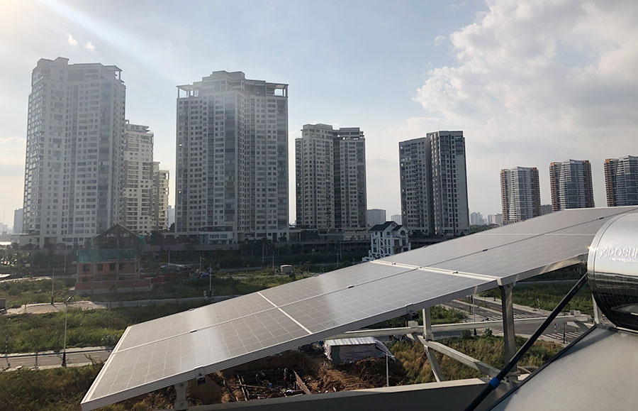 Hệ thống điện mặt trời trên mái nhà ở TPHCM