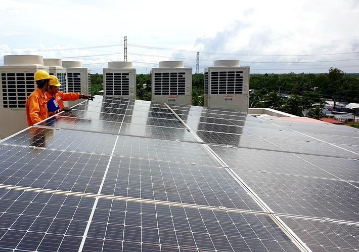 Hệ thống điện mặt trời mái nhà của khách hàng tại Hậu Giang.
