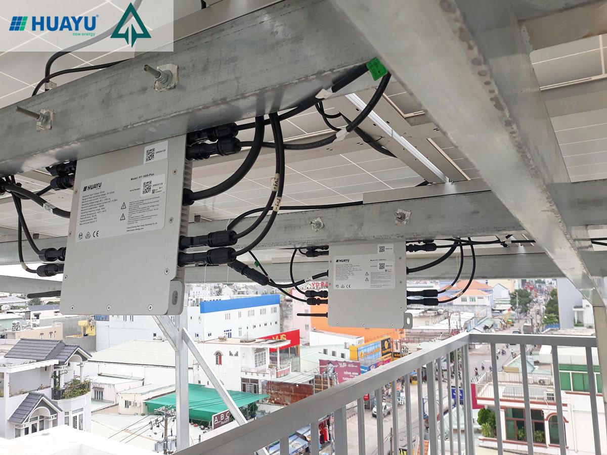 hình ảnh hệ thống điện mặt trời hòa lưới sử dụng micro-inverter HY-1600Plus ở TPHCM